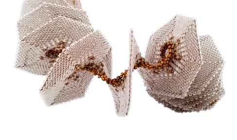 Spiral Slinky Closeup Kate McKinnon